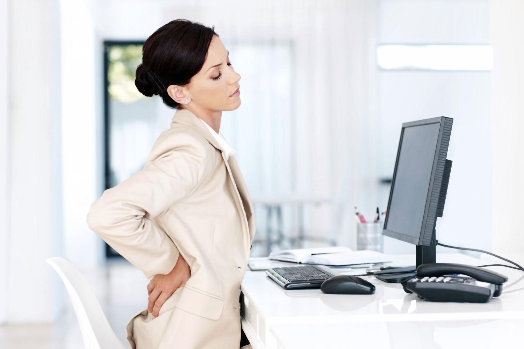 Боли в спине в позвоночнике к какому врачу