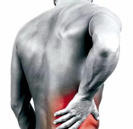 Болит спина и грудная клетка, трудно дышать: причины, лечение